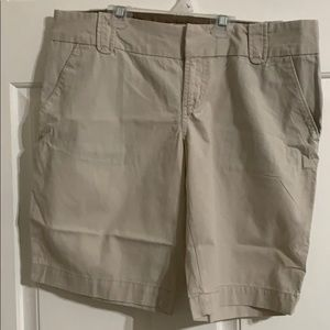 Women's Old Navy bermuda's shorts
